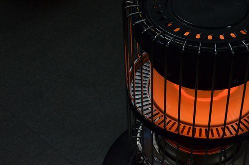 インコの保温に電気毛布、カイロ、ダンボール、ストーブは使える?